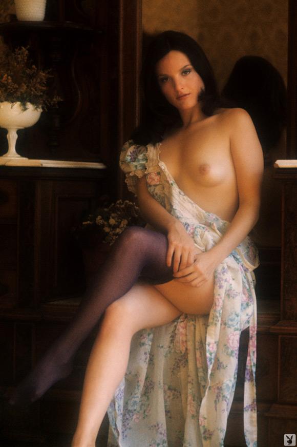 carol-vitale-playboy-playmate-girl-naked