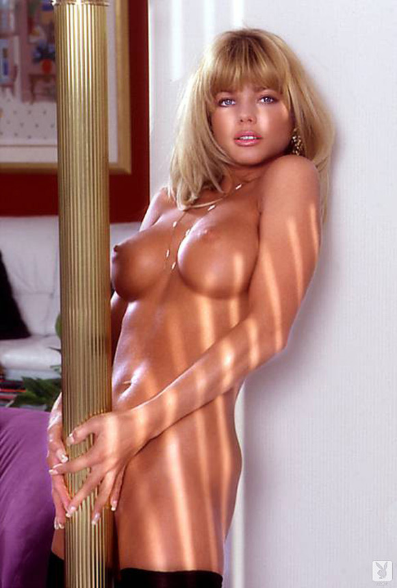 donna-derrico-playboy-playmate-girl-naked
