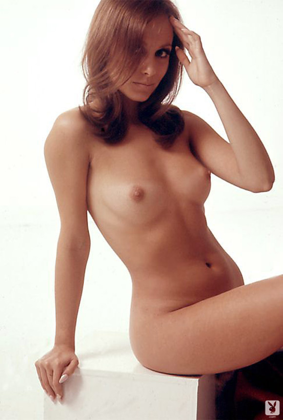 elizabeth-jordan-playboy-playmate-girl-naked