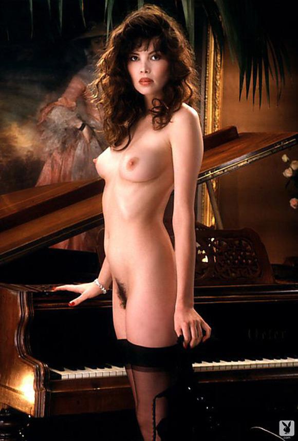 fawna-maclaren-playboy-playmate-girl-naked