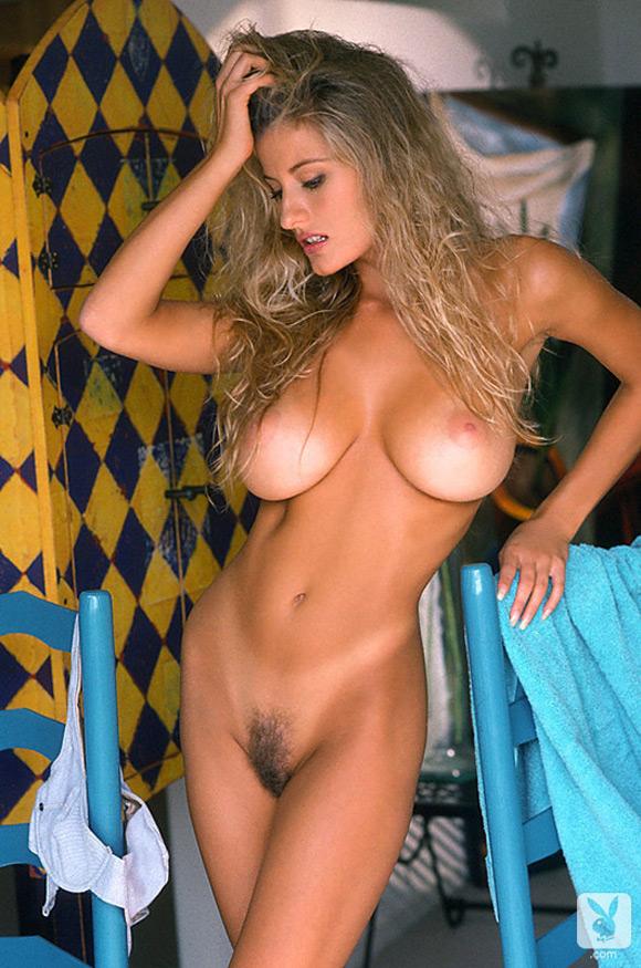 kerri-kendall-playboy-playmate-girl-naked