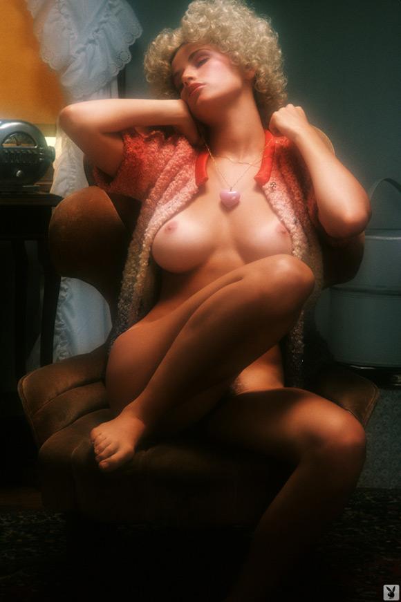 nancie-brandi-playboy-playmate-girl-naked