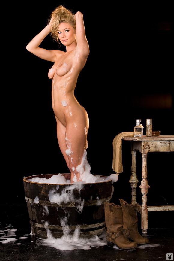 kelly-carrington-playboy-playmate-girl-naked