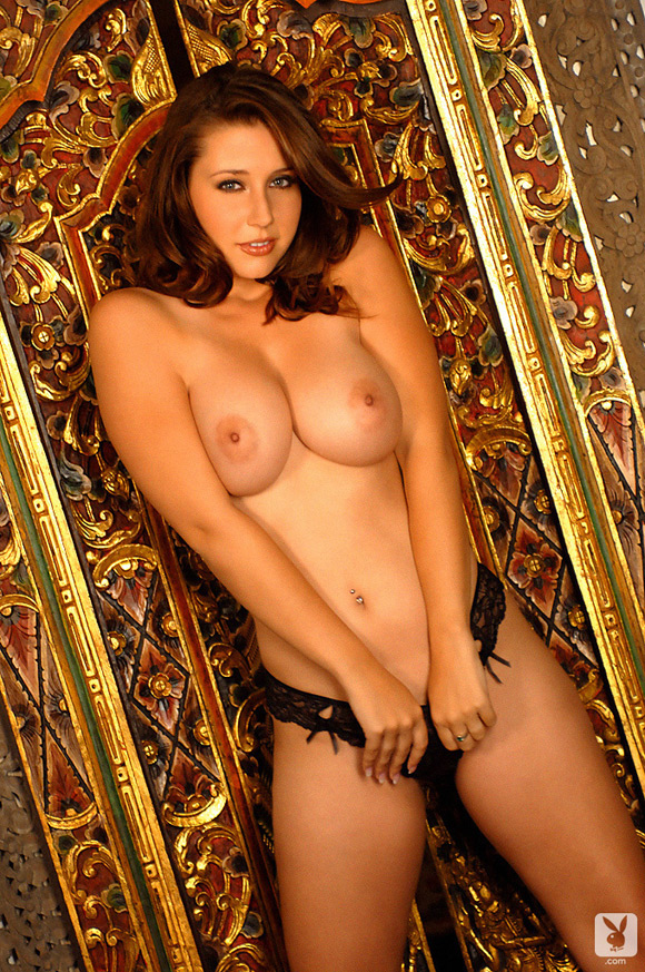 erica-campbell-playboy-playmate-girl-naked