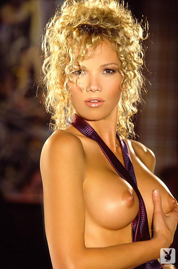 tavania-kaye-playboy-playmate-girl-naked
