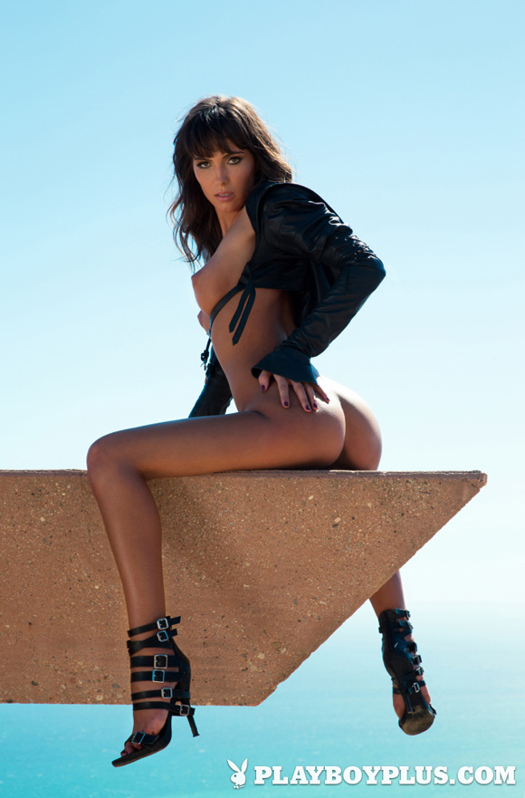brittny-ward-playboy-playmate-girl-naked