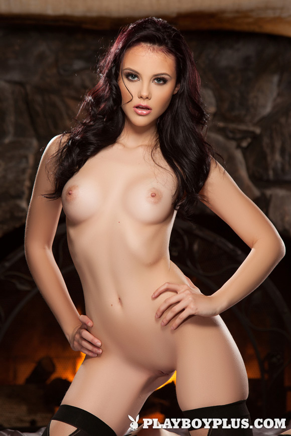 iana-little-playboy-playmate-girl-naked
