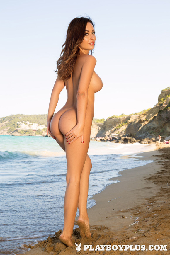 adrienn-levai-playboy-playmate-girl-naked