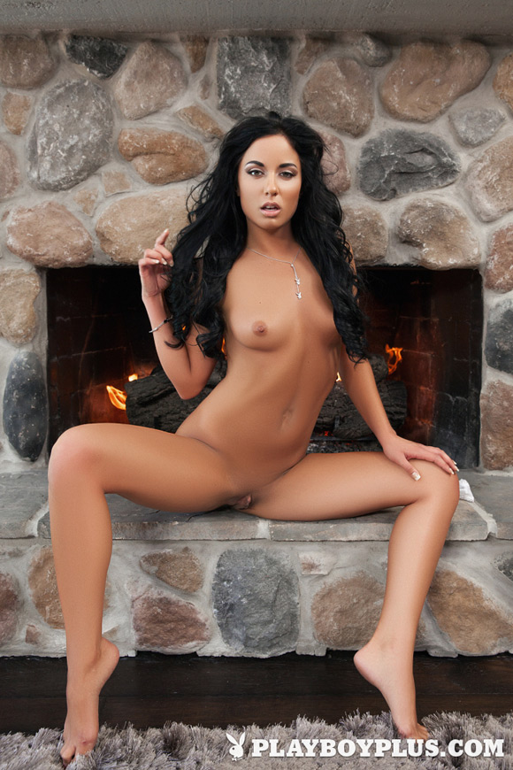 desiree-playboy-playmate-girl-naked