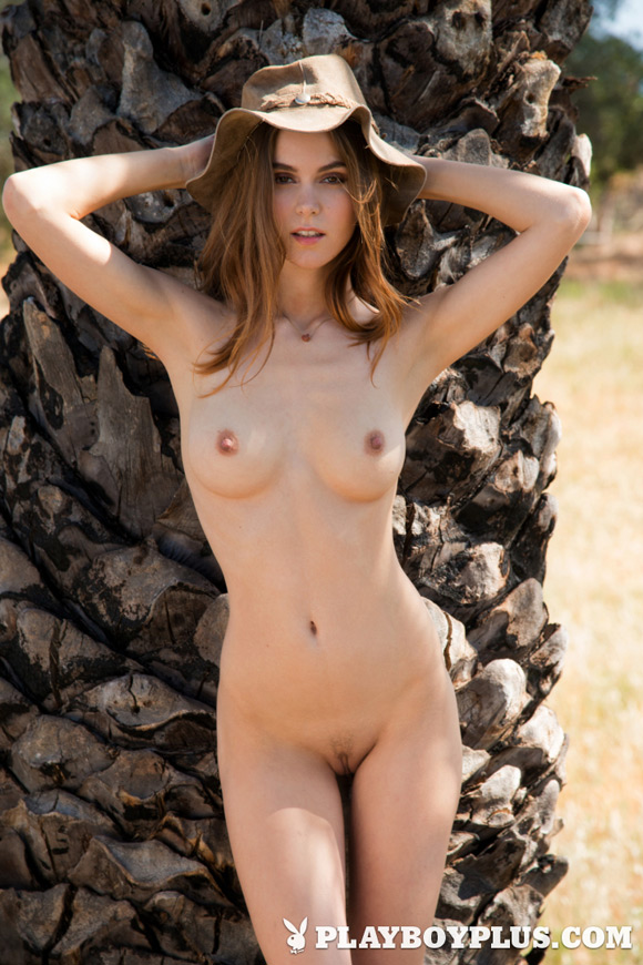 amberleigh-west-playboy-playmate-girl-naked