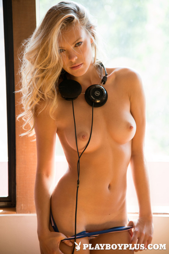 kristy-garett-playboy-playmate-girl-naked