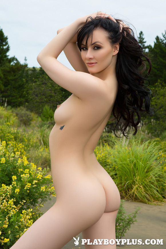 skylar-leigh-playboy-playmate-girl-naked